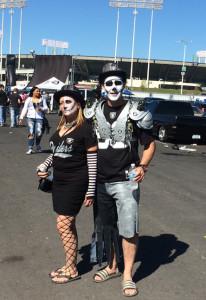 Raidersfans_skeletons